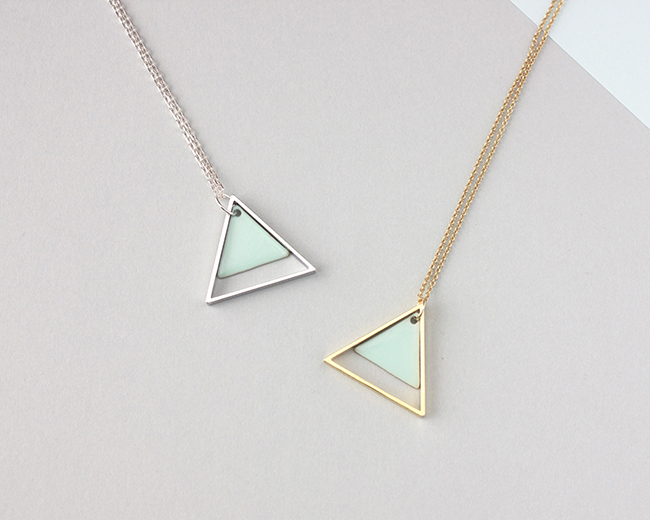 2-triangle-necklace-mint-x2-small-size